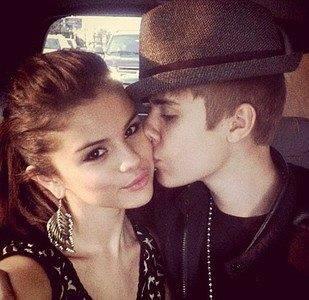 Justin Bieber , con novia.