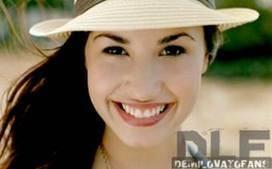 no Demi la tiene mas bonita