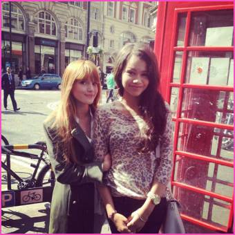 Bella Thorne y Zendaya Coleman. 3
