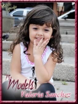 Mini- Valeria Sanchez