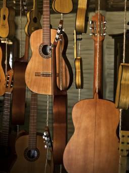 Guitarras en el Palafito El Musico - Guitars in El Musico