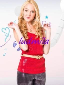 Ludmila (Mercedes Lambre)