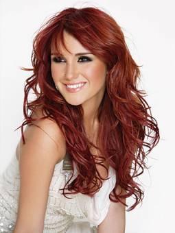 Rojo: Representando al pelo rojo, Dulce María