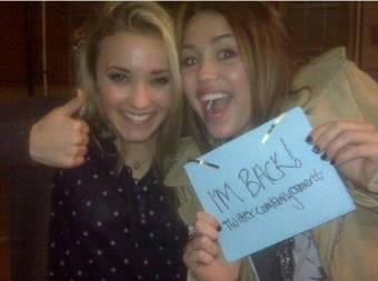 Miley_Fan y Chelsea_Wetley.
