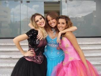 Las tres son perfectas y cantan bien