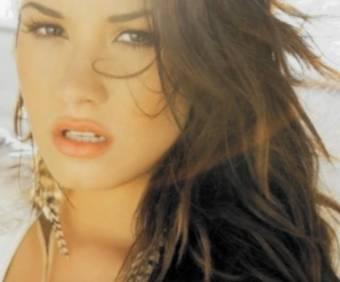 Demi Lovato- Rascacielo