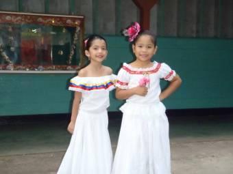 Las dos niñas de 8