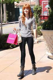 Bella Thorne : Casual