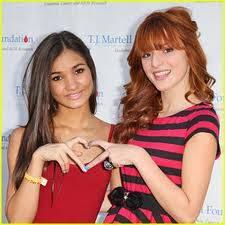 Bella Thorne y Mia Pia