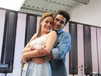 Martina Stoessel (Violetta) Pablo Espinoza (Tomas)